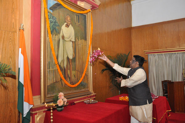 Hon'ble Governor paying floral tribute to Mahatma Gandhi at Raj Bhavan, Shillong