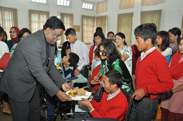 Hon'ble Governor met the differently abled children of Shillong at Raj Bhavan